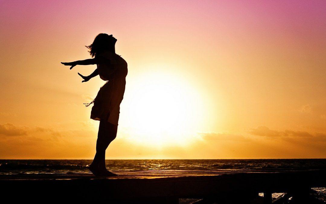 Urlop, morze, plaża i… nietrzymanie moczu. Jak sobie radzić?
